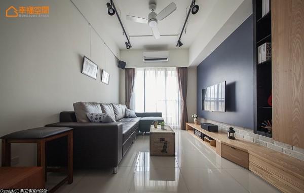 保留天花板的原味裸妆,呈现出工业风面貌的美式精神。