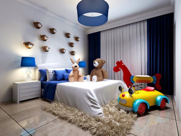 小卧室打造半地中海风格,基色为蓝白搭配,各种毛绒玩具让孩子度过温馨又难忘的童年。在以前可能我们很多人都不敢这么做。不过在本方案中设计师大胆的打破了现代风格对小卧室不适合理念。