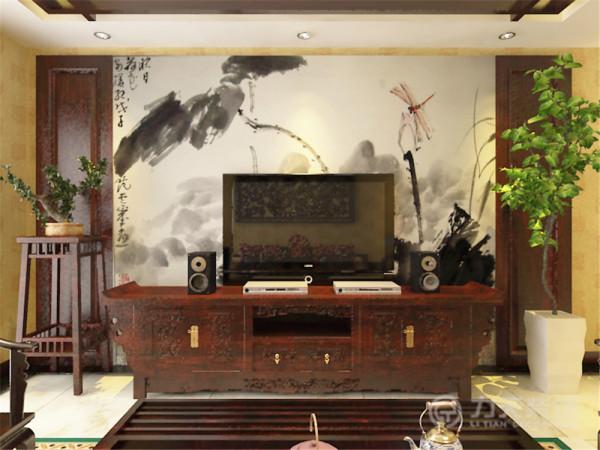 在客餐厅的吊顶上,我采用实木线勾勒出中国的传统纹路-回形纹来增加居住空间内中式元素。在除卫生间,厨房,储物间以外的三个卧室空间上,我都采用了中式实木线做成的圈式样式来丰富空间元素