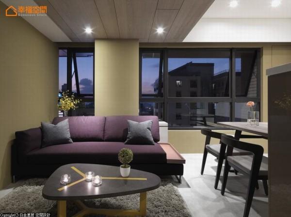 家具配搭上,刻意运用冲突撞色,形成别具风韵个性的抢眼对比。