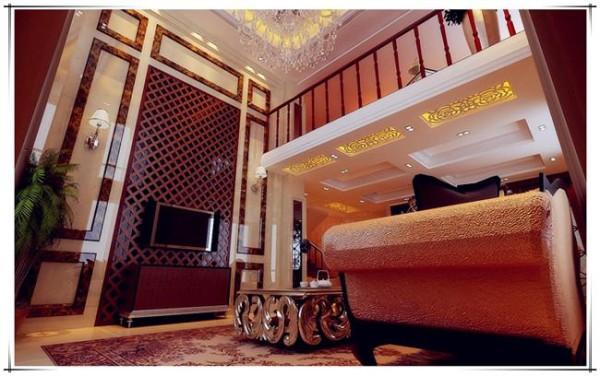 房间的色彩搭配,把内心的感受表达出来,简约的设计,反差的色彩配合,精美的装饰,使房间格调温暖和谐。为成功人士缔造了舒适宽敞轻松而温暖的氛围。