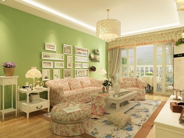 沙发采用碎花的图案更加贴近自然,展现朴实生活的气息。客厅的家具主要是以奶白象牙白等白色为主,优雅的造型,细致的线条和高档的油漆处理,都使得每件产品像优雅成熟的中年女子含蓄温婉内敛而不张扬