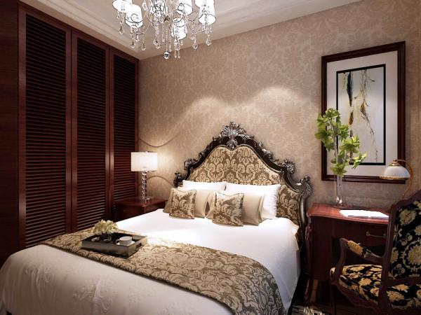 卧室:主要是欧式壁纸和画为床头背景墙,红桃木色的通顶衣柜。本案追求简练、明快、浪漫、单纯和抽象的欧式风格,将让你的家园更加单纯、明快和浪漫