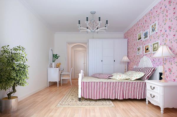 卧室壁纸墙上的小碎花,也是凸显出了卧室里清新的,自然的温馨舒适