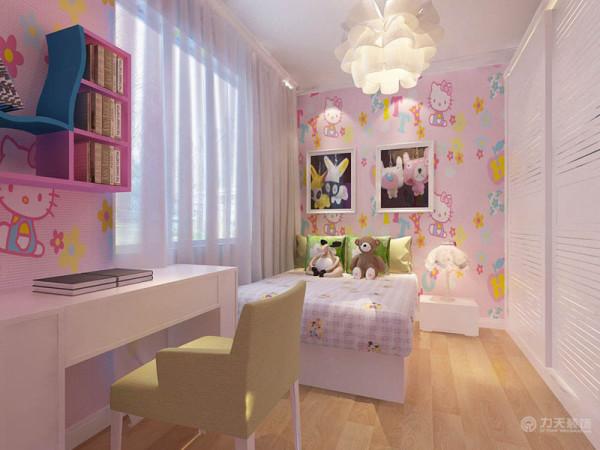 女儿房大面积采用Hello kitty壁纸,顶面采用石膏线圈边,整体配上灯光的照射,突显出即低调又不缺时尚氛围的公主房