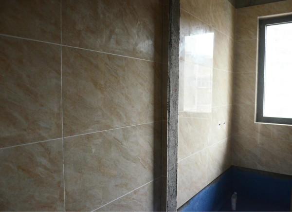 卫生间的墙面瓷砖贴缝隙都处理的很好