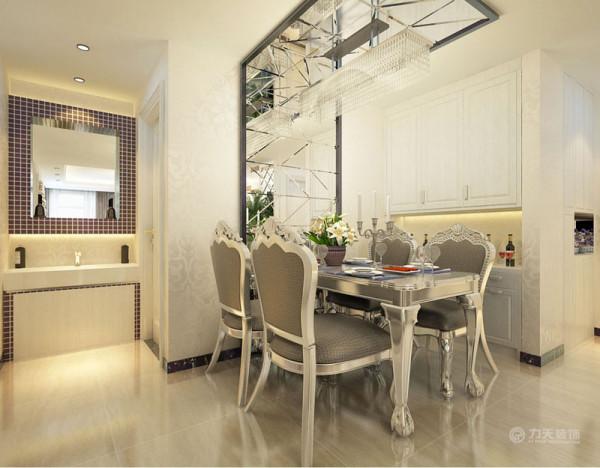 整体色调较为平缓,家具以白色银色为主,欧式的线条,现代简约的配色,突出了新古典的雅致本色。室内回字顶,突出层次。墙面采用暖色乳胶漆,营造温馨柔和的感觉