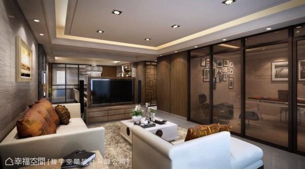 以矮隔屏概念让电视墙横向落在餐厅与客厅间,设计成可旋转180度满足两个空间的视听机能,并将完整开阔的视野还予书房。 (此为3D合成示意图)