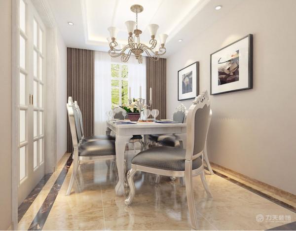 此次设计为简约欧式主义风格,整体色调较为平缓,家具以白色为主,欧式的线条,现代简约的配色,突出了简约欧式的风格。室内回字顶,并有2层叠级石膏线圈边,突出层次。墙面采用暖色乳胶漆,营造温馨柔和的感觉