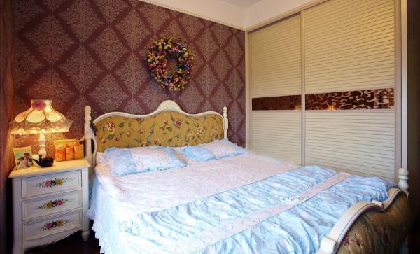 温馨浪漫的美式卧室