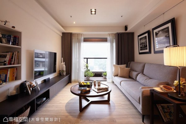 得天独厚的明亮视野,坐在客厅就能轻易收取一片山景,家就是你专属的城市villa!