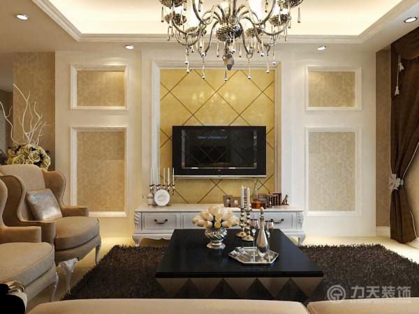 客厅采用米黄色抛光砖,米黄色能包容大量颜色,沙发采用欧式布艺沙发