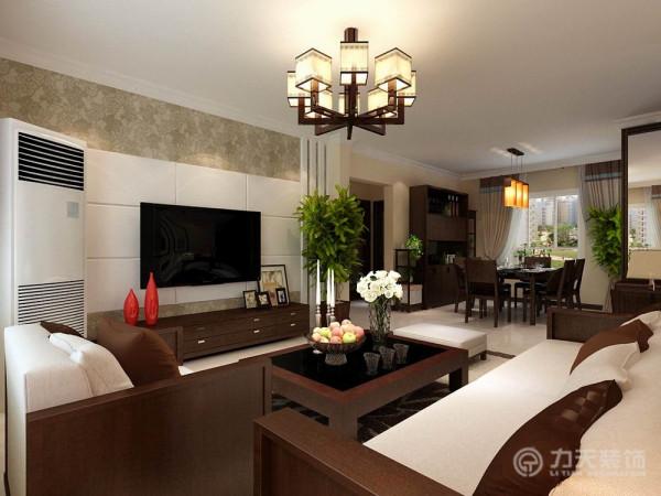 整体家居以木材和布艺为主,电视背景墙我们采用了石膏板拉缝,搭配壁纸做装饰,突出整体风格