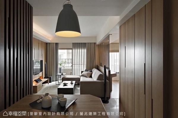 打开一室明亮场域,要求空间的延伸通透。