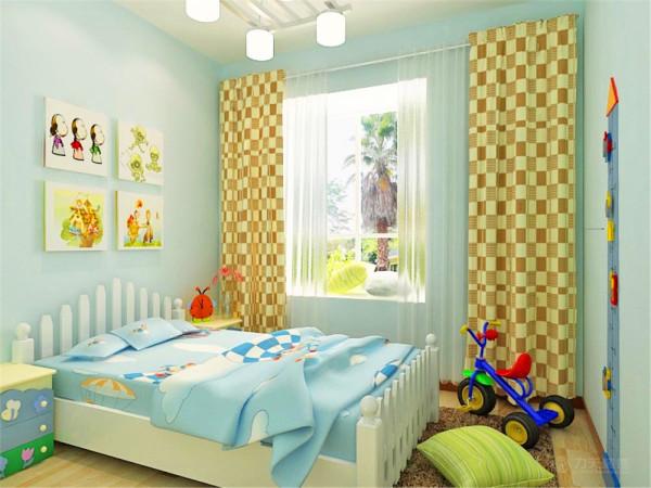 主卧在进门旁边的位置设立了大的储物的空间,非常美观而且极大的节省了卧室的空间,在卧室的床头可以搭配自己喜欢的壁画,这样会让自己的心情得到极大的放松,使进入这间房子的人亲和的感觉。