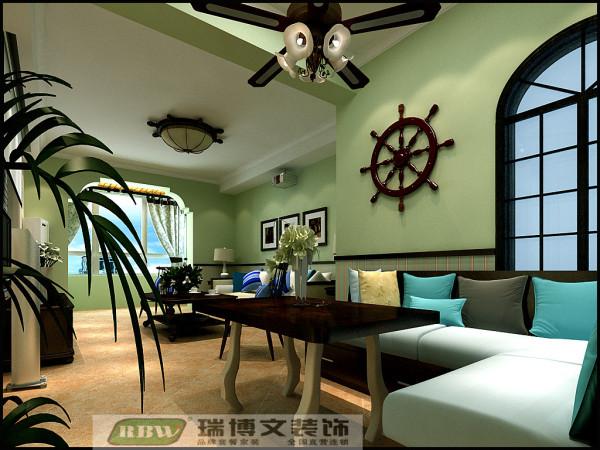 原始走廊设计为餐厅,并用卡座设计取代板式餐桌,与整体风格融为一体。