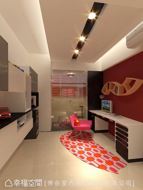 黑白两色为基底的设计语汇里,开放书房的暗红色墙面点出空间亮点。(此为3D合成示意图)
