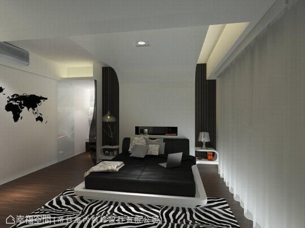 从床头向上延伸圆弧包覆的天花线条拉伸至电视墙,将立面拉升至最高,开阔主卧空间感。(此为3D合成示意图)