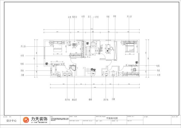 由于是别墅三层,所以从楼梯开始逆时针介绍,首先是卫生间,属于次卧的卫生间简单宽阔。次卧房型方正,有衣柜梳妆台与床的空间相隔开,且采光较好。