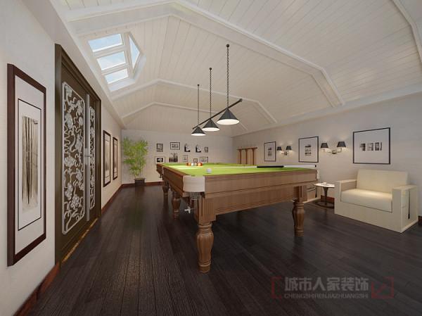 二楼台球室 二楼的休闲室满足了客户休闲娱乐的生活方式,原顶面基于原建筑结构的基础做生态木吊顶与深色木地板起到视觉对比的效果,更显得空间低调大气。