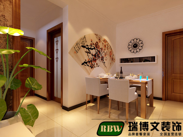 餐厅是一进门的位置,所以在设计的时候不仅在使用上考虑,还有在美观上也是一个考虑的侧重点。餐厅上的玫瑰花扇形设计。和花型的时钟设计,也是现代简约和中式的一个小的碰撞。