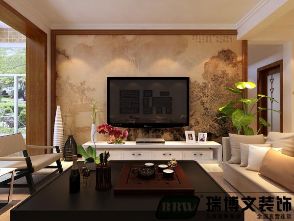 客厅的设计本着轻装修重装饰的设计理念,中式的电视墙,搭配顶上的双层石膏素线。电视墙也是以简单方便为主,橡木色的木线做了一个勾边,中间用的是一整幅中式的壁画。
