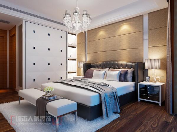 华宇凤凰城140㎡样板间--主卧室设计效果 在视觉享受之余还能感受到住宅之宽敞和自然,其时代感和空间感相辅相成。