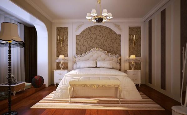 简单的墙纸搭配石膏板造型,既凸显风格又能控制造价。暖色的圣象木地板,为业主打造了舒适的睡眠环境。