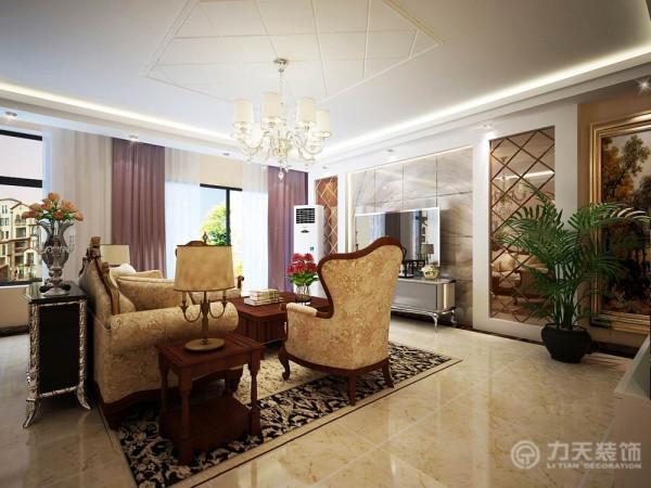 客厅占的面积较大,厨房面积也正好,总体评价为优。两个卧室的采光都较好,主卧室有独立的衣帽间,空间宽敞明亮。次卧室和书房紧密相联空间利用的非常合理,非常适合三口之家居住,次卧室的空间非常适合子女居住