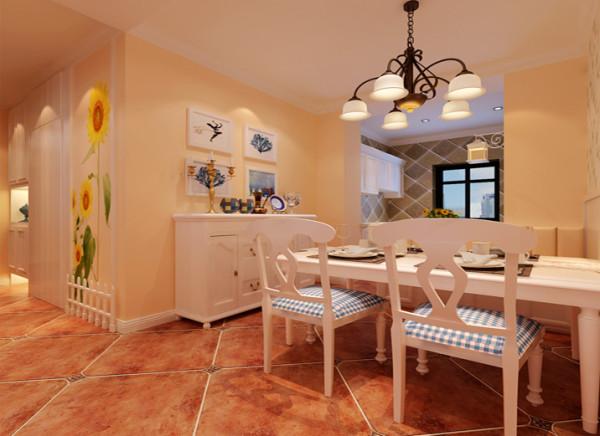 地面运用仿古砖,以白色餐桌作以搭配。带有古典气息的吊灯,共演美妙光影之舞。