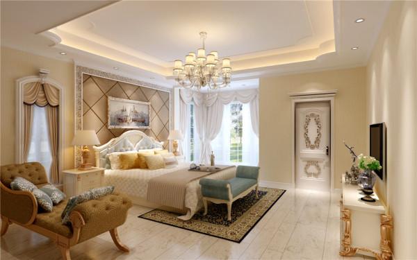 主卧明亮的天花与浅色地板,再配上床头背景墙的线条与