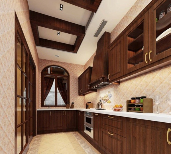长形的厨房,有足够的空间来发挥创造。