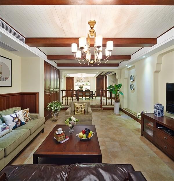 客厅作为待客区域,简洁明快,同时装修较其它空间要更明快光鲜,使用大量的石材和木饰面装饰达到客厅的宽敞而富有历史气息的。  当主人从步入家门的第一步开始,每一个角落都显现出自然朴实又不失高雅的气质。