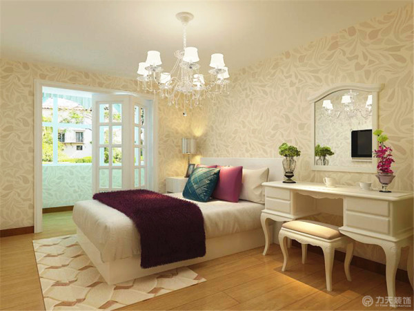 次卧室的空间很小,做成了榻榻米,整个空间都是木地板.