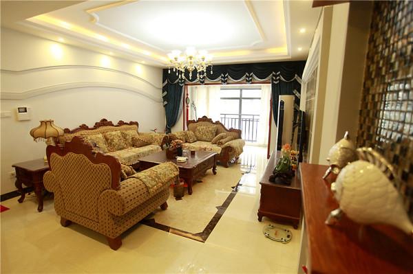 简欧式客厅,既没有太多华而不实的装饰,也不太过于艺术化,大方简洁