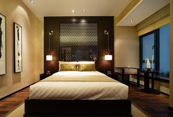 卧室背景墙同样采用了镂空的设计。