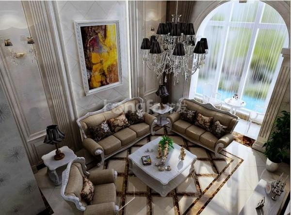 """顶面如何做,也是一个难题,顶面要注重""""实"""",避免把客厅设计成""""天井""""的感觉。设计师在这里做了天花圆形艺术吊顶,同时加入黄色的灯光点缀,再配上具有隆重效果的欧式水晶吊灯,打破了顶面的单调,更富层次感。"""
