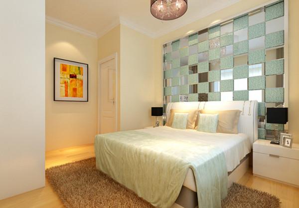 次卧床头艺术玻璃的设计是一大亮点,不但加深了空间,还有一种美的感受。毛茸茸的地毯带来无限温暖,利于主人带来深度睡眠。