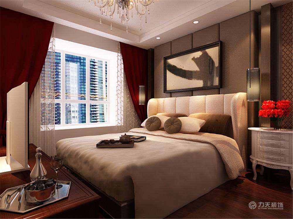 卧室床后做护墙板造型,有中式的格调.图片