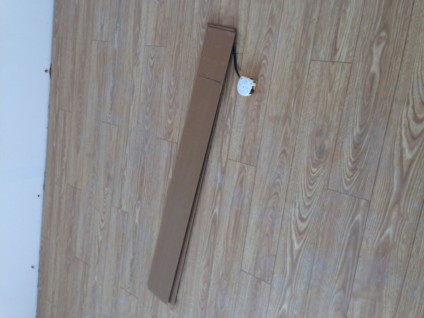 客厅地板铺贴