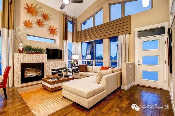 墙壁统一都是米黄色,是暖色调中给人感觉最温馨的色彩之一,中庸的视觉效果,给疲惫的身心一个自由释放的机会。大面积的米色配合金属褐色的装饰,呈现低调的奢华感,温馨大气。