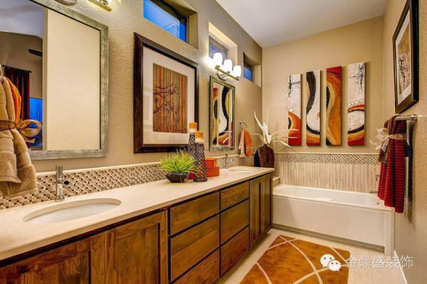 卫生间开有多个小窗,保证通风。暖色木色柜子,暖色地毯,暖色装饰画,在一抹新绿的映衬下,卫生间也可以拥有靓丽风景。