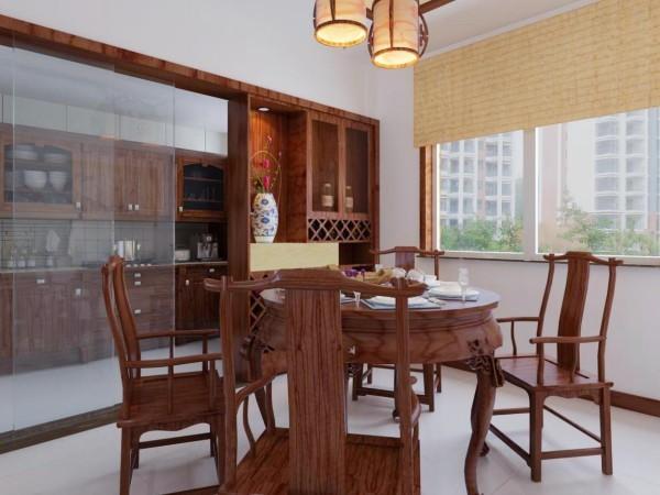 在餐厅的设计上,设计师在一边运用了博古架,充满了中式元素的典雅。