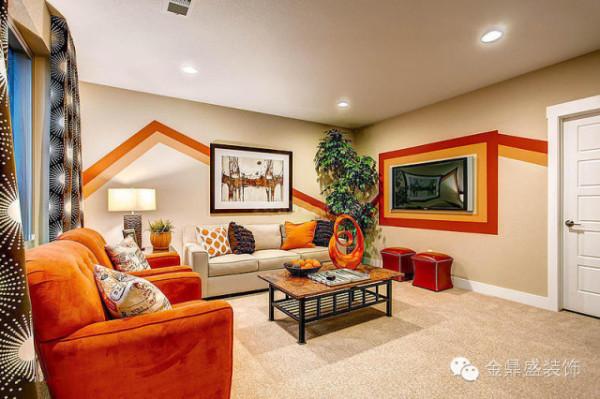 米色的墙,橙色的沙发,大红的点缀,色彩丰富,点亮居室每一个角落。