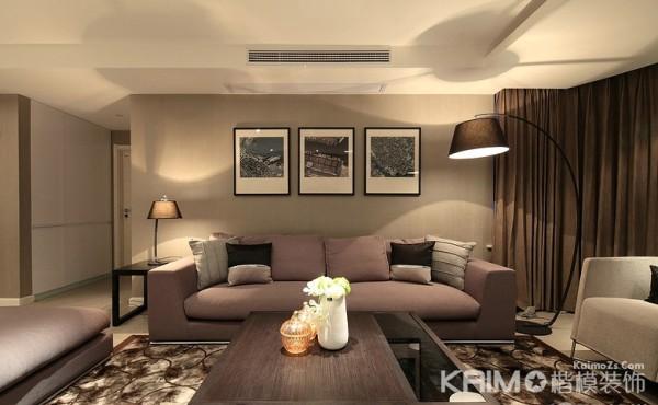 无论是沙发的颜色还是茶几和墙面的颜色都和客厅的整个设计搭配得很好