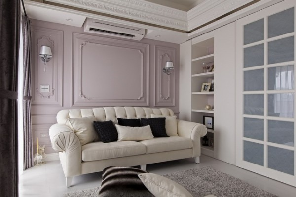 客厅另一大设计重点,是从任何位置都能望见的藕色主墙。