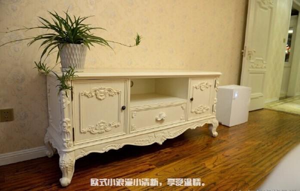 电视柜,朋友都说欧式果然不一样,家里家具、配饰什么的很高大上。。