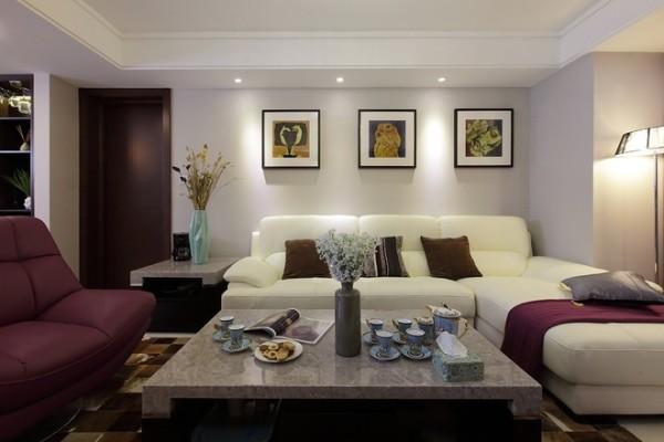 客厅背景墙采用了木地板上墙,木质条状的纹理,有一种时光永恒的意境,家具都是现代风格, 整个室内空间以幽静休闲,轻松舒适为主导。