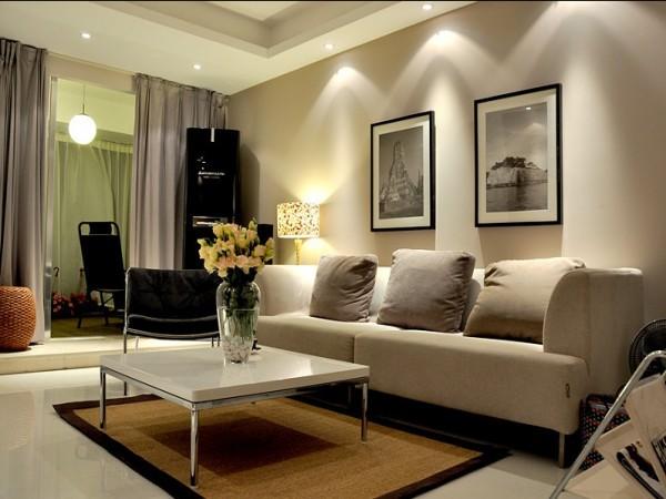 设计师加强了光影效果的处理,以及整体空间、家具装饰等材料质感的表现。