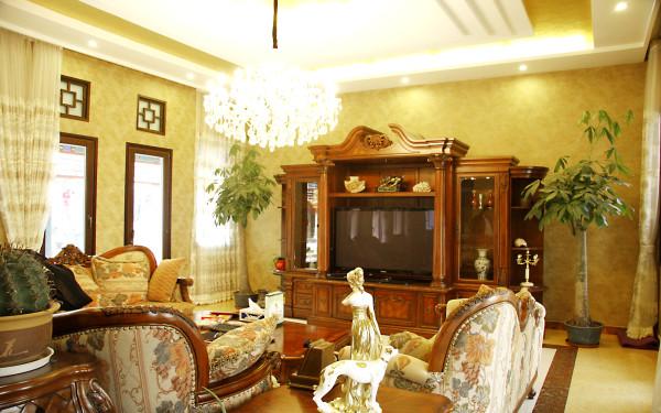 中式元素里混搭着美式家具及饰品让整个空间灵动起来。